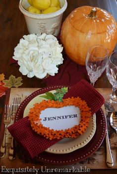 Fall craft ~ Puzzle Piece Place Cards for your Thanksgiving table by Exquisitely Unremarkable #puzzlepiececraft