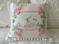32 Ideas embroidery patterns vintage shabby chic pin cushions for 2019 Shabby Chic Vintage, Motif Vintage, Vintage Stil, Vintage Textiles, Vintage Patterns, Vintage Linen, Embroidery Designs, Vintage Embroidery, Hand Embroidery