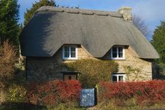 Cute ducky-family made of thatch on the roofline. There's a real art to decorating with thatch, apparently. English Country Cottages, French Country Cottage, Cottage Style, Cottages England, Storybook Cottage, House Of Beauty, Thatched Roof, Seaside Resort, English House