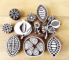 штамп, набойка, дерево цветы, семенаColouricious present wooden printing blocks, wooden stamps. This lovely pomegranate stamps set is for your creative craft ideas. Clay Stamps, Stamp Printing, Printing On Fabric, Shibori, Stamp Carving, Fabric Stamping, Handmade Stamps, Linoprint, Mark Making