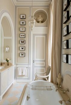 salle de bain de style baroque avec faience salle de bain leroy merlin beige
