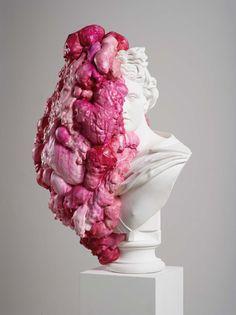 pink - figurative sculpture - MARINA VARGAS