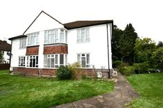 TO LET! Spacious 2 bed maisonette with off street parking & garden access. Wanstead Close, Bromley   http://www.vincentchandler.co.uk/pfs