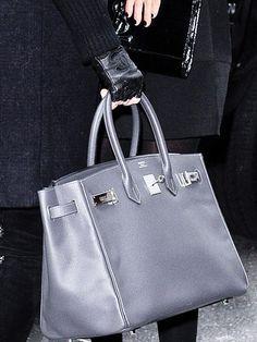 - Khloe Kardashian, Birkin bag and Chanel gloves. ♥