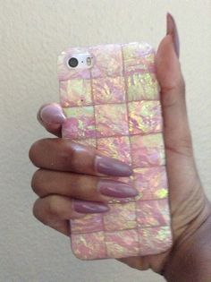 Pinterest: @TheANiyalation I have this case! Check out Claire's to see if they still have it!