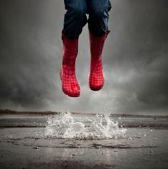Red Wellies, Red Boots, I Love Rain, Rainy Weather, Rainy Days, Rain Photo, Summer Rain, Rain Fall, Singing In The Rain