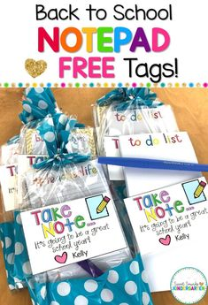 Looking for a cute gift to give to your teacher team or co-workers for back to school? These cute little notepad gifts are easy to prep; just add the included editable tags and youre done! Staff Gifts, Team Gifts, Student Gifts, Coach Gifts, Volunteer Gifts, Cute Teacher Gifts, Teacher Appreciation Gifts, Cute Gifts, Diy Gifts