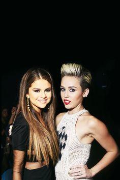 Selena gómez y miley cyrus
