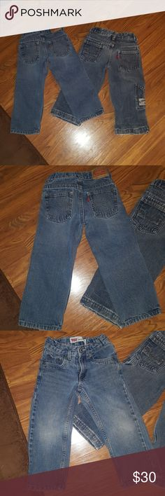 Boys 3T Levi jeans bundle of 2 Bundle of boys 3T Levi jeans first pair are relaxed straight 549 great condition with no flaws second pair are cargo style good condition with minor wear on hems, both have waist adjusters. I now offer a 20%discount on 3 or more items purchased. Check out my other boys and baby girl clothes. Levi's Bottoms Jeans