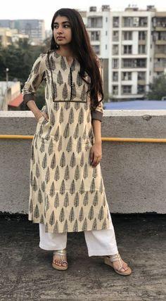 Printed Kurti Designs, Silk Kurti Designs, Simple Kurta Designs, Kurta Designs Women, Kurti Designs Party Wear, Stylish Dress Designs, Designs For Dresses, Stylish Dresses, Casual Indian Fashion