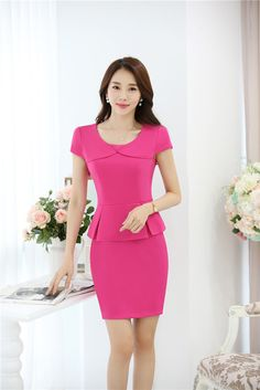Classy Work Outfits, Classy Dress, Formal Dresses With Sleeves, Dresses For Work, Blouse And Skirt, Peplum Dress, Modest Fashion, Fashion Dresses, Short Gowns