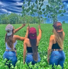 Sexy Cowgirl Outfits, Country Outfits, Country Girls, Redneck Girl Quotes, Country Girl Tattoos, Estilo Cowgirl, Rodeo Girls, Country Music Quotes, Royal Art