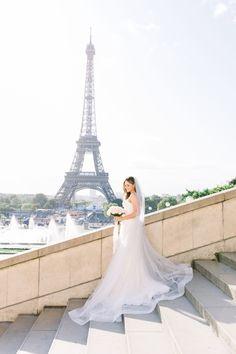 Beautiful Elopement in Paris Bohemian Wedding Dresses, Wedding Dress Trends, Princess Wedding Dresses, Modest Wedding Dresses, Backless Wedding, Wedding Themes, Wedding Photos, Wedding Dress Train, Sweetheart Wedding Dress