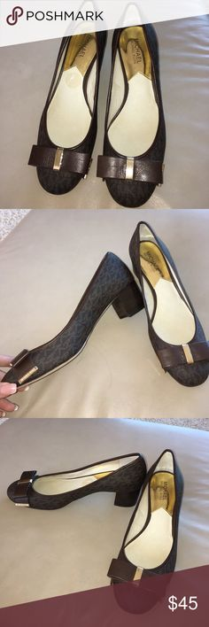 Michael Kors signature block heel pump size 9 1/2 NWOT never worn - slightly too big for me, the block heel makes these cute shoes super practical and on-trend. MICHAEL Michael Kors Shoes Heels