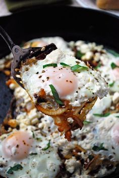 Mediterranean Eggs - Caramelized onions, sun dried tomatoes, eggs, and feta make a flavorful breakfast for dinner! Full recipe at www. Breakfast Desayunos, Breakfast Dishes, Breakfast Recipes, Enjoy Your Meal, Feta, Little Lunch, Cooking Recipes, Healthy Recipes, Cooking Time