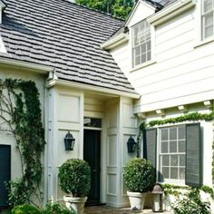 White siding, black shutters and well thought out curb appeal - the undeniable charm of colonial style homes   Good night, Insta friends!