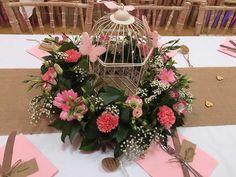The French Touch Floristry can create show stopping #centrepieces for your #wedding. #weddingflowers #weddingtables #birdcage #weddinginspiration