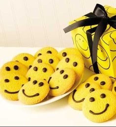 these cookies make me smile:)