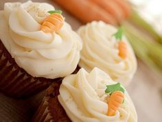 Receta de Betún de Queso | Este betún, es especial para cupcake y pasteles de zanahoria. Utiliza esta deliciosa receta en todos tus postres y sorprende a tu familia.