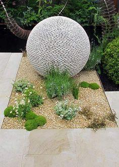 New Ideas For Diy Garden Sculpture Ideas Water Features Garden Spheres, Garden Balls, Garden Planters, Diy Garden, Garden Projects, Garden Art, Garden Design, Sphere Water Feature, Diy Water Feature