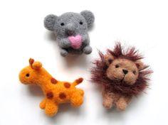 Needle Felted Safari Animal Magnets, Felt Elephant Magnet, Felted Giraffe Magnet, Felt Lion Magnet, Cute Magnets, Felt Fridge Magnets, Wool