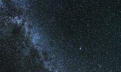 Wenn Sie im Juni oder Juli den Sternenhimmel fotografieren, haben Sie gute Chancen, die Milchstraße vor die Linse zu kriegen.
