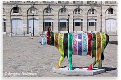 N° 17 - Gabrielle - place de la Bourse Artiste Jofo - Propriétaire C.C.I. de Bordeaux. Bordeaux. 2010