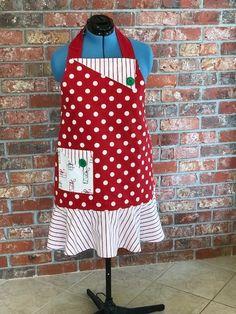 Reversible woman's full Christmas apron. Christmas Aprons, How To Wear, Design, Women, Fashion, Moda, Women's, La Mode, Fasion