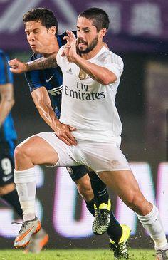 Video: A bit of my motivation left with Aubameyang - Lewandowski Gareth Bale, Real Madrid, Bernardo Silva, Men In Tight Pants, Rugby Sport, Soccer Guys, Isco Alarcon, Chelsea Football, Boys Underwear