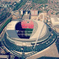 Wembley Hockey, Sports, Places, Football, Hs Sports, Sport, Field Hockey, Lugares, Ice Hockey