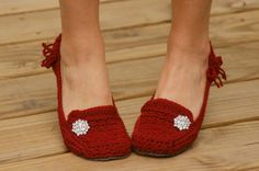 Crochet Pattern for Womens House Slippers  by TwoGirlsPatterns, $5.50