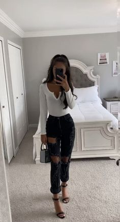 Bar Outfits, Body Suit Outfits, Casual Summer Outfits, Girly Outfits, College Outfits, Cute Outfits, Winter Fashion Outfits, Long Sleeve Bodysuit, Up Girl