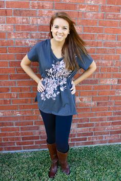 20 minute cinch tee. Turn a super large t-shirt into a cute tunic.