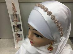 Jewelry, Dresses, Fashion, Jewelry Ideas, Silver, Vestidos, Moda, Jewels, Fashion Styles