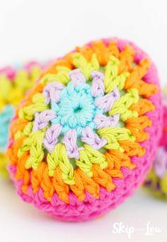 colorful crochet Easter Egg Crochet Cord, Easy Crochet, Crochet Hooks, Free Crochet, Irish Crochet, Easter Egg Pattern, Easter Crochet Patterns, Crochet Ideas, Crochet Crafts