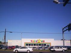 The Toys R Us Store On Flatbush Avenue Brooklyn Toys R Us Brooklyn Fun