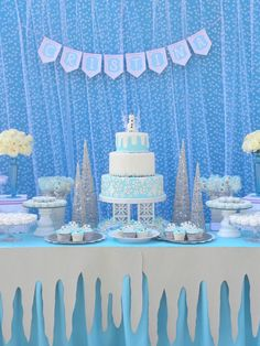 Frozen Birthday Party via Kara's Party Ideas KarasPartyIdeas.com Desserts, supplies, favors, stationery, tutorials, recipes, and more! #frozen #frozenparty (10)