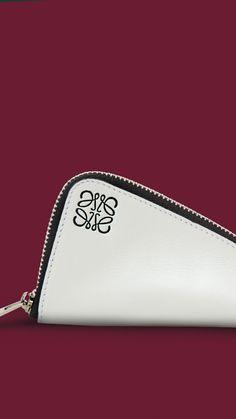 #LOEWE gift collection 2014. #White small Z-Purse. Shop at loewe.com #loewejwa #LOEWEgifts
