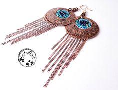Kolczyki własnoręcznie wykonane z miedzianej blachy z wyplecionym we wnętrzu elementem z koralików toho i super duo