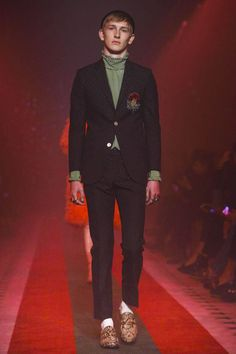 Gucci Women Fashion Show Ready to Wear Collection Spring Summer 2017 in Milan
