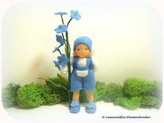 Vergissmeinnicht Blumenkinder Jahreszeitentisch von Susannelfes Blumenkinder auf DaWanda.com