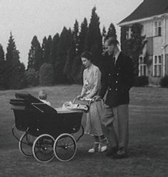 1948 of a young Prince Charles, being pushed in one of our hand-built prams by proud parents the Queen and Prince Phillip. Princess Anne, Princess Margaret, Queen Elizabeths Sister, Prins Philip, Great Britan, Silver Cross Prams, Queen And Prince Phillip, Vintage Pram, Princess Kate Middleton