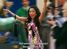 """London Tipton (Brenda Song) """"The Suit Life of Zack & Cody"""" Girl Humor, Mom Humor, Zack Et Cody, Disney Buzzfeed, Buzzfeed Funny, London Tipton, Old Disney Shows, Disney Memes, Funny Disney"""