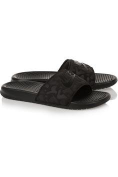 Nike Benassi rubber slides