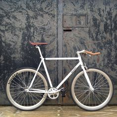 """""""Only a couple of our beloved Pembroke model left. Who wants one? #WatchThisSpace #bestofbritish #singlespeed #Cambridge #fixedgear"""""""