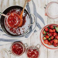 🍴Jahodová marmeláda se stévií - základní recept recept – rychle, zdravě a jednoduše 🍴 Jimezdrave.cz Agar, Chocolate Fondue, Food, Essen, Meals, Yemek, Eten