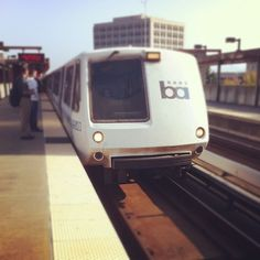 """""""BART train face"""" – the ones with the cute pointy-fronted operator cabs are the """"A"""" cars, the """"B"""" cars are the ones in the middle, and the flat-fronted cab-cars with doors are the """"C"""" and """"C-2"""" cars. BART's next generation trains will be the """"D"""" cars –with operators control cabs – and the """"E"""" cars without. Bay Area Rapid Transit, S Bahn, Oakland California, Metro Station, Buses, Vintage Posters, San Francisco, Middle, Train"""