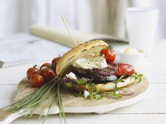 Feta-Gemüse-Sandwich ist ein Rezept mit frischen Zutaten aus der Kategorie Fruchtgemüse. Probieren Sie dieses und weitere Rezepte von EAT SMARTER!