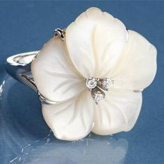 Mother of Pearl Hibiscus Ring