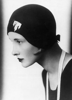 1920s, black & white cloche hat